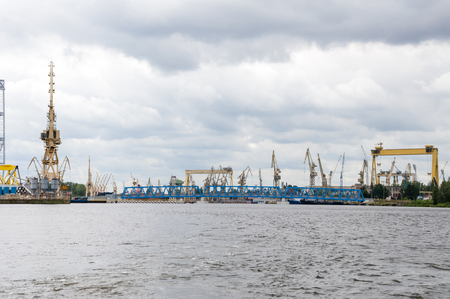 Werftschiffbau in Stettin. Schiffsreparaturdock