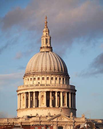 聖 Paul ドーム、ロンドン イギリス