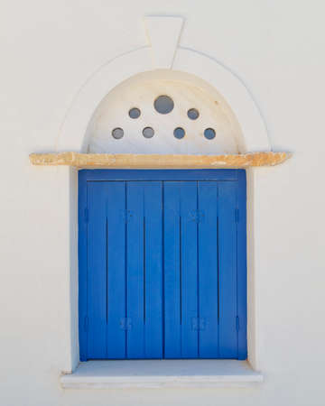 青い窓の装飾