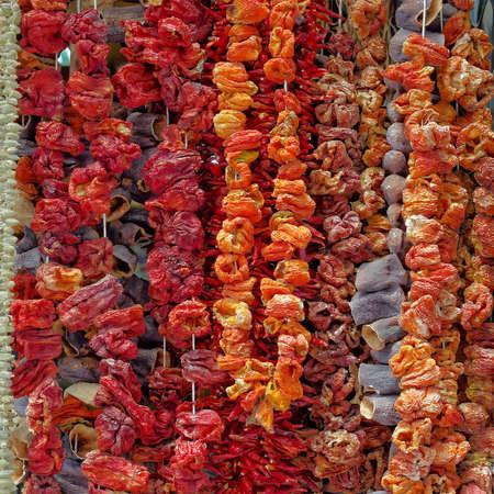 Atenas, Grecia, se seca las verduras en el mercado central