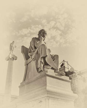 ギリシャの哲学者ソクラテスとアポロ像、instagram フィルター 写真素材