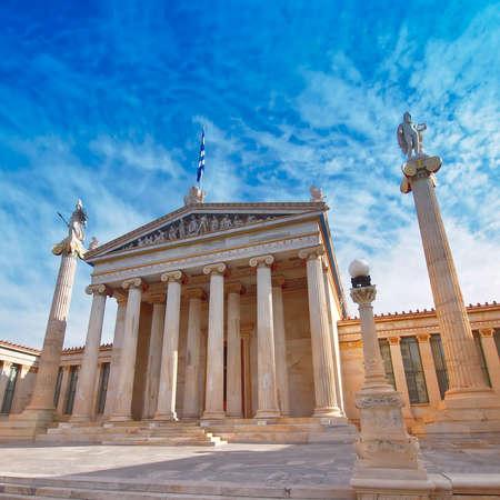 ギリシャ、アテネ、アテナ、アポロ像を構築新古典主義の国民アカデミー 写真素材