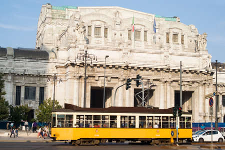 central europe: Central railway station in Milan