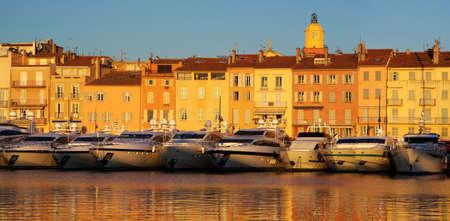 Saint Tropez, en la luz del atardecer Foto de archivo