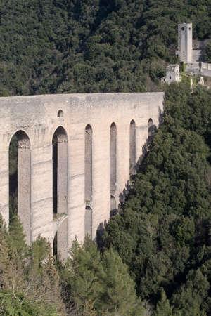 torri: Aqueduct bridge Ponte delle Torri (Towers Bridge), 230 meters long, Spoleto, Umbria, Italy Stock Photo