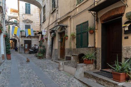 Typical Italian narrow street Foto de archivo