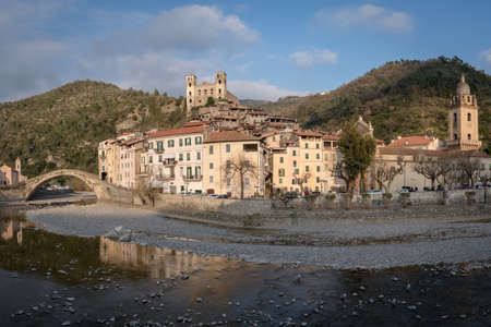 Dolceacqua ancient village, Liguria region, Italy 免版税图像