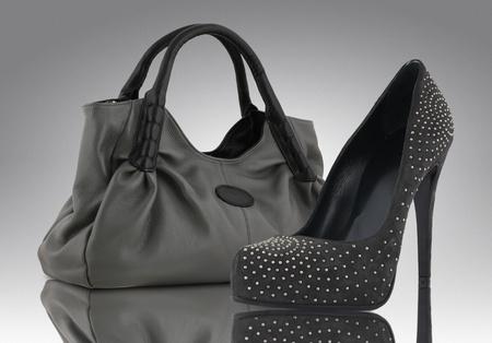 vrouw zak met schoen, accessoire begrip