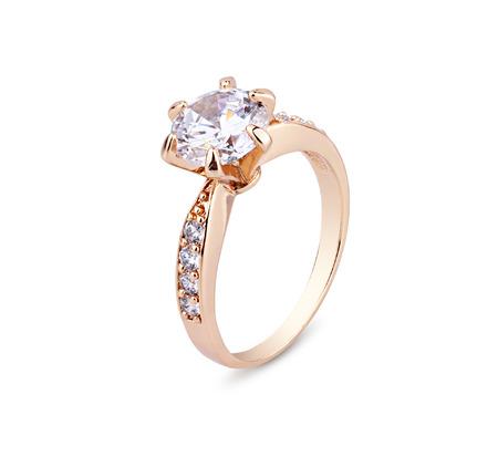 ringe: Schmuck Ring mit Diamanten isoliert auf weißen Hintergrund