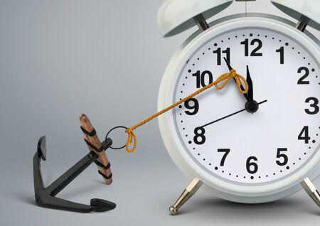 Ferma il concetto di tempo, l'orologio si ferma all'ancora