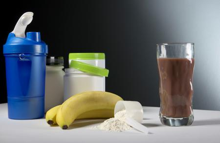 contenedores suplemento de la nutrición de entrenamiento deportivo