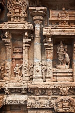 Bas reliefes in Hindu temple. Sri Ranganathaswamy Temple. Tiruchirappalli (Trichy), Tamil Nadu, India Stock Photo - 7938343