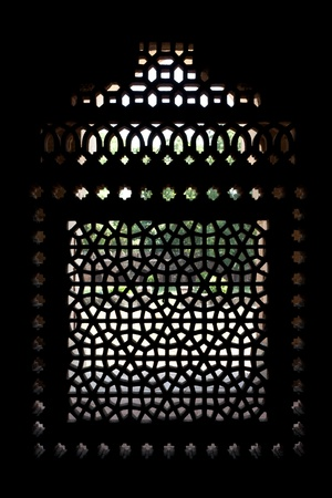 Marble carved screen window at Marble carved screen window at Isa Khans Tomb. Humayuns Tomb complex, Delhi, India