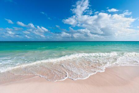 riviera maya: Hermosa playa y las olas del mar Caribe. Riviera Maya, M�xico