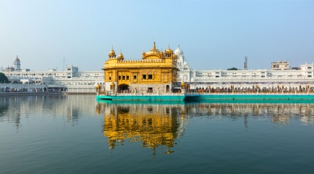 Sikh gurdwara Golden Temple (Harmandir Sahib). Punjab, India Stock Photo - 18543685