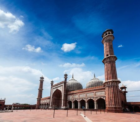 prayer tower: Jama Masjid - largest muslim mosque in India. Delhi, India Stock Photo