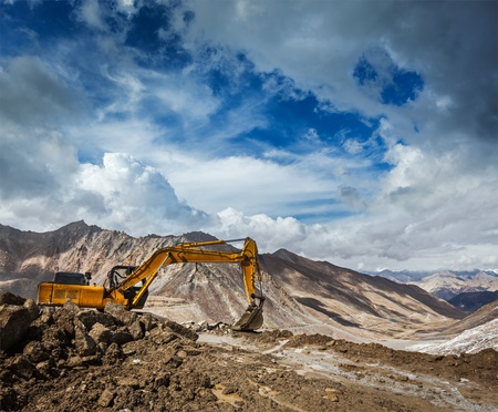 kashmir: Road construction in mountains Himalayas. Ladakh, India