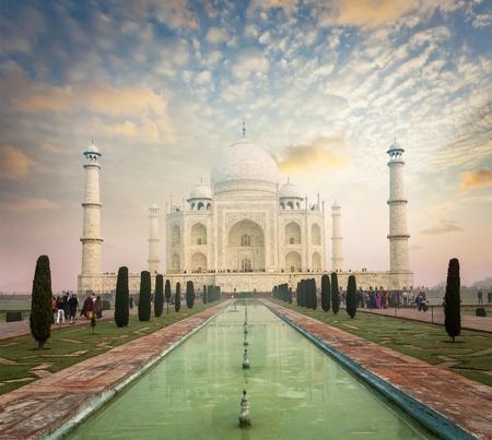 uttar pradesh: Taj Mahal on sunrise sunset, Indian Symbol - India travel background. Agra, Uttar Pradesh, India Stock Photo