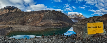 tal: Panorama of mountain lake Suraj Tal in Himalayas on Manali-Leh road on sunrise. Lahaul valley, Himachal Pradesh, India