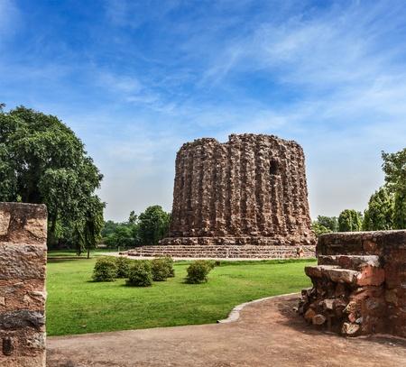 minar: Alai Minar ruins,  Qutub Complex, Delhi, India Stock Photo