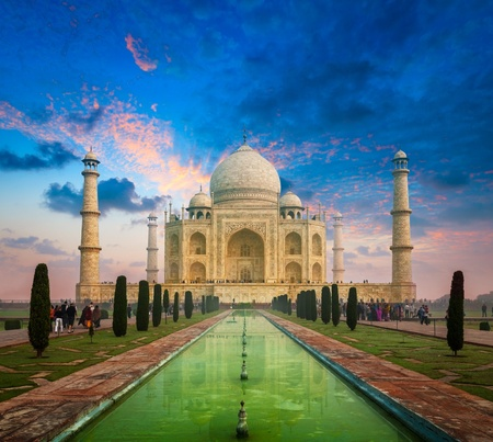 uttar: Taj Mahal on sunrise sunset, Indian Symbol - India travel background. Agra, Uttar Pradesh, India Stock Photo