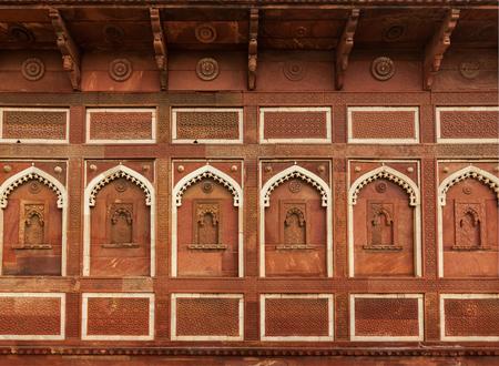 agra: Wall decoration in Agra fort. Agra, Uttar Pradesh, India Stock Photo