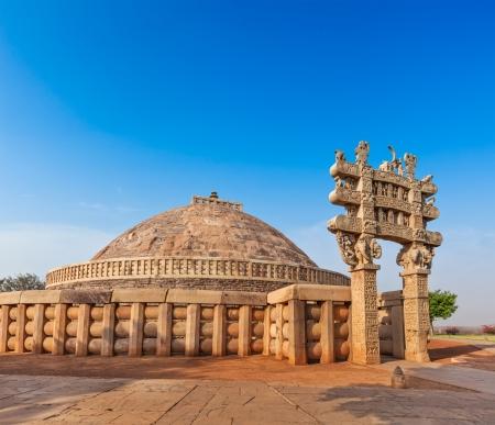 sanchi stupa: Great Stupa - ancient Buddhist monument. Sanchi, Madhya Pradesh, India