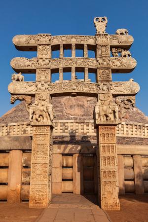 sanchi: Great Stupa - ancient Buddhist monument. Sanchi, Madhya Pradesh, India