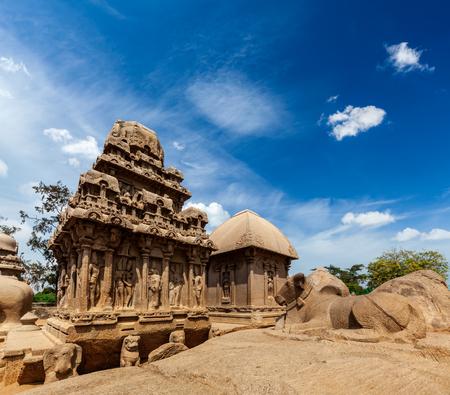 pallava: Five Rathas - ancient Hindu monolithic Indian rock-cut architecture. Mahabalipuram, Tamil Nadu, South India Stock Photo