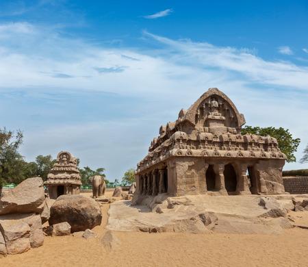 mahabalipuram: Five Rathas - ancient Hindu monolithic Indian rock-cut architecture. Mahabalipuram, Tamil Nadu, South India Stock Photo