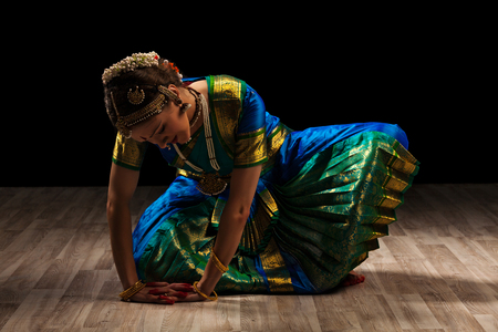 bharatanatyam dance: Young beautiful woman dancer exponent of Indian classical dance Bharatanatyam