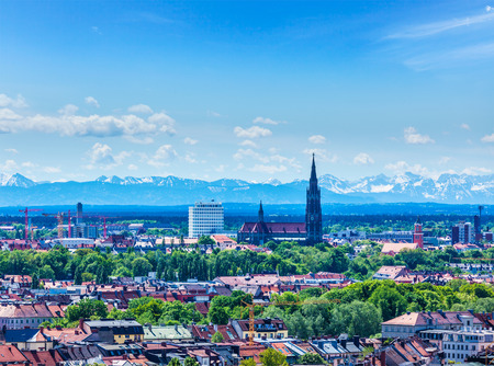 Aerial view of Munich with Bavarian Alps in background, Bavaria, Germany 版權商用圖片
