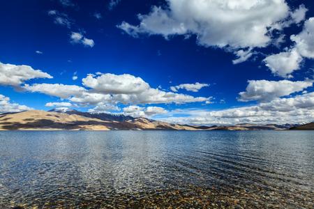 himalayas: Himalayan mountain lake in Himalayas Tso Moriri (fficial name: Tsomoriri Wetland Conservation Reserve), Korzok,  Changthang area, Ladakh, Jammu and Kashmir, India Stock Photo