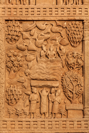 monument in india: Gateway decoration bas relief of Great Stupa - ancient Buddhist monument. Sanchi, Madhya Pradesh, India