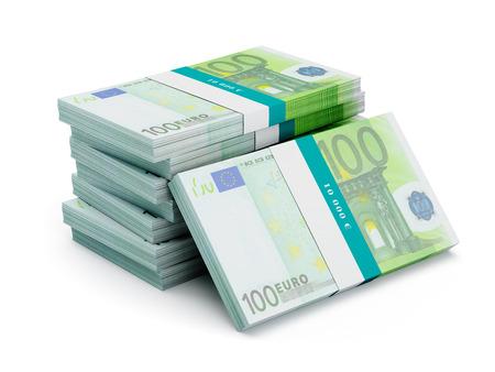 Stapel van 100 eurobankbiljetten bundels geïsoleerd