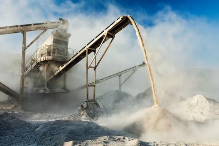 Industrial crusher - rock stone crushing machine Reklamní fotografie