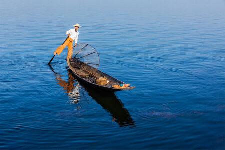 oar: Burmese fisherman at Inle lake, Myanmar