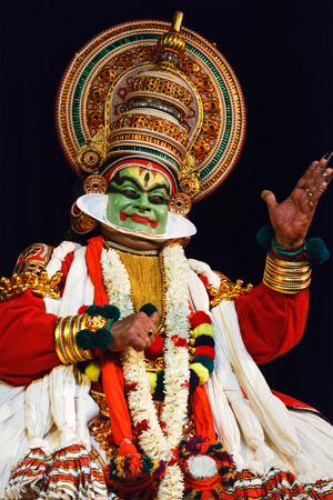 indian classical dance: CHENNAI, INDIA - SEPTEMBER 8: Indian traditional dance drama Kathakali preformance on September 8, 2009 in Chennai, India. Performer plays Arjuna (pacha) character