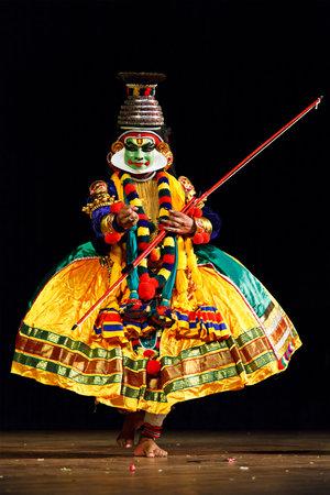 kathakali: CHENNAI, INDIA - SEPTEMBER 9: Indian traditional dance drama Kathakali preformance on September 9, 2009 in Chennai, India. Performer plays Rama (pacha) character in Ramayana drama Editorial