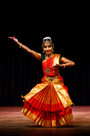 tamil nadu: CHENNAI, INDIA - SEPTEMBER 28: Bharata Natyam dance performed by female exponent on September 28, 2009 in Chennai, India. Bharatanatyam is a classical Indian dance form originating in Tamil Nadu state