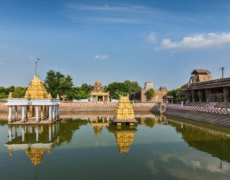 temple tank: Temple tank of Varadaraja Temple, Kanchipuram, Tamil Nadu, India