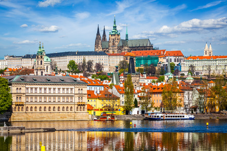 Gradchany Prague Castle and St. Vitus Cathedral 免版税图像 - 38690732