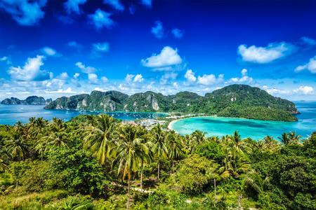 熱帯の楽園の島リゾート旅行コンセプト背景 - - ピピ島、クラビ、タイ
