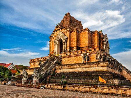 thai temple: Buddhist temple Wat Chedi Luang. Chiang Mai, Thailand Stock Photo