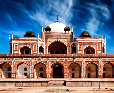 unesco: Humayuns Tomb. Delhi, India. UNESCO World Heritage Site. Frontal View