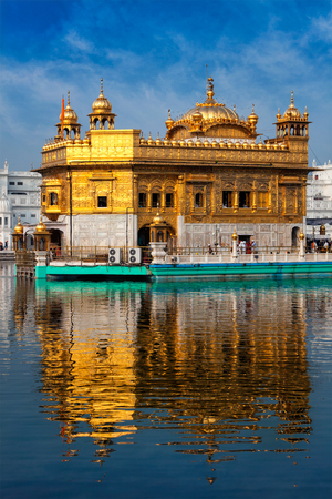 temple tank: Panorama of Sikh gurdwara Golden Temple (Harmandir Sahib) and water tank. Amritsar, Punjab, India