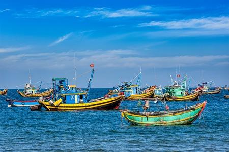 bateau de pêche: Les bateaux de pêche à Mui Ne, Vietnam Banque d'images