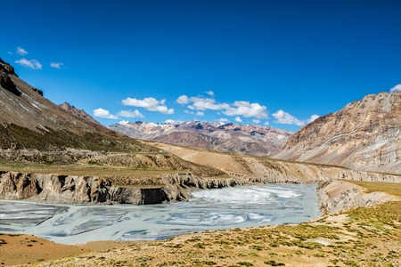 pradesh: Himalayan landscape in Hiamalayas along Manali-Leh highway. Himachal Pradesh, India Stock Photo