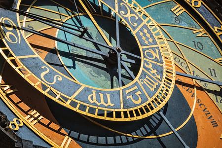 Astronomische Uhr in Prag Standard-Bild - 89674201