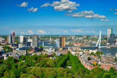View of Rotterdam city and the Erasmus bridge 版權商用圖片